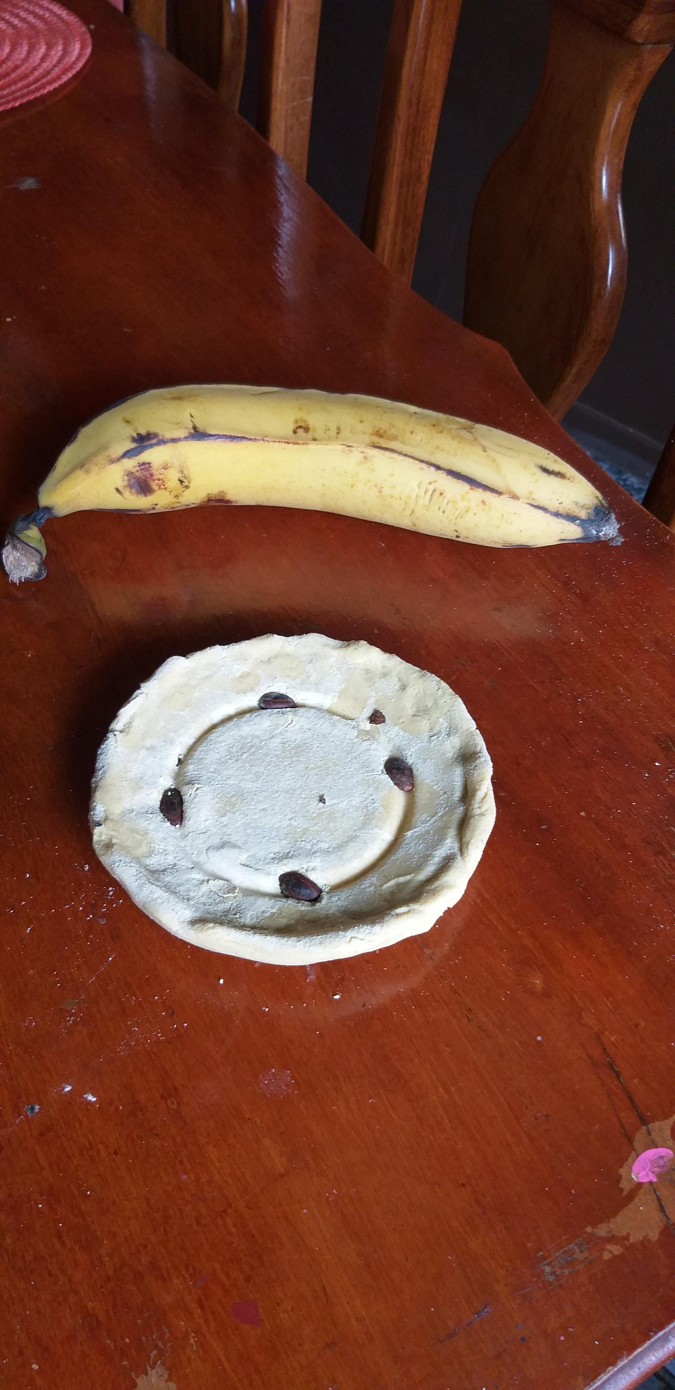 Plato Biodegradable a base de cascara de platano